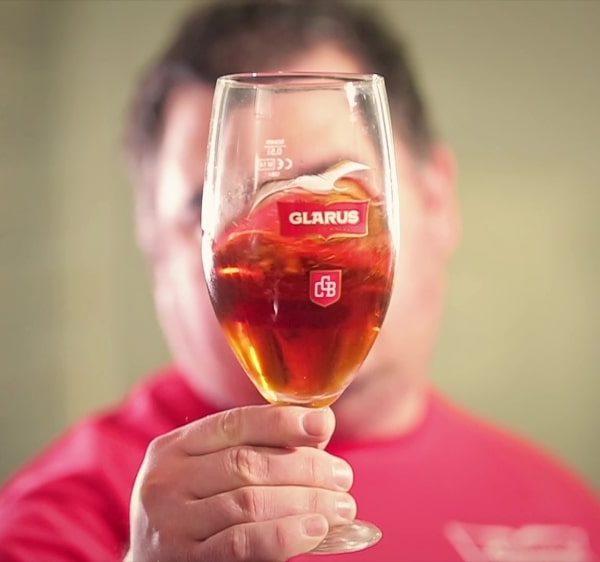 Реклама на българската крафт пивоварна Гларус 25