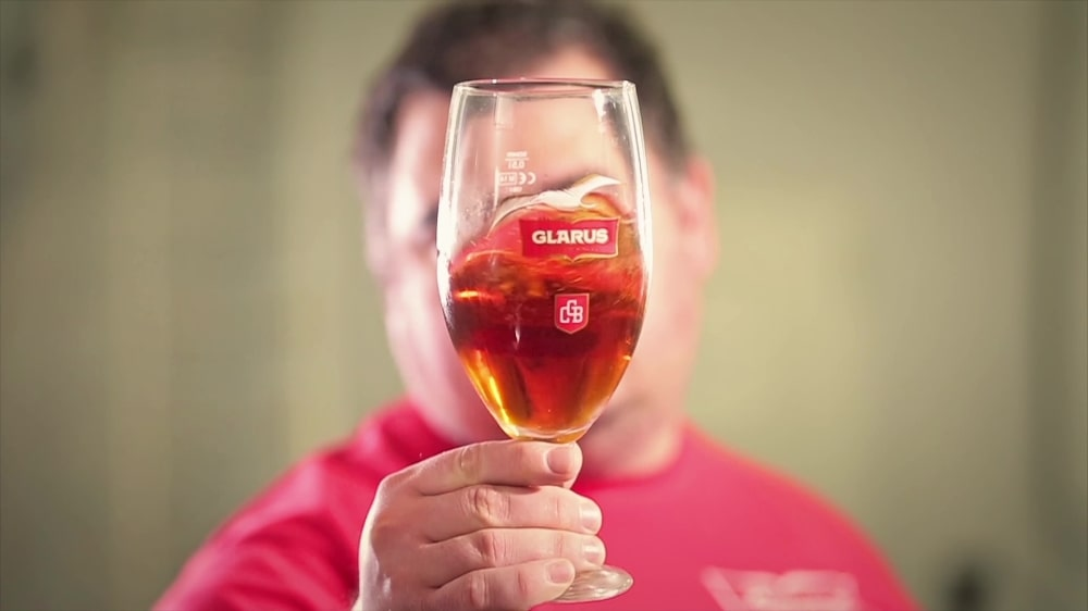 Реклама на българската крафт пивоварна Гларус 28