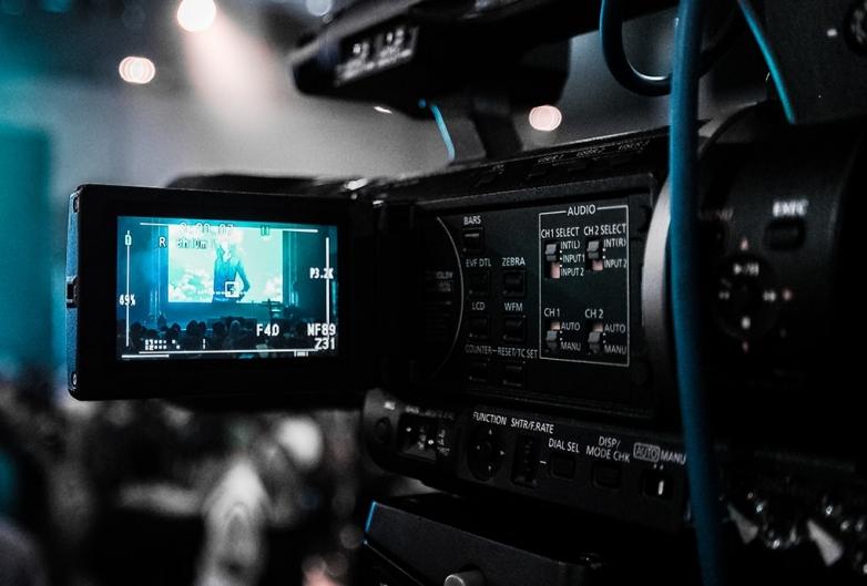 Защо да ни се доверите за изработката на своето рекламно видео