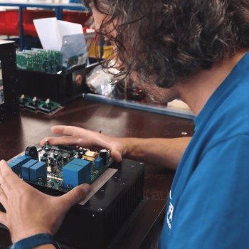Изработка на корпоративно видео за UltraFlex Power Technologies 9